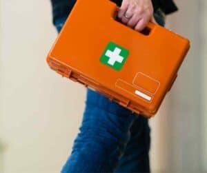 Formations de secourisme spécifiques boîte de secours